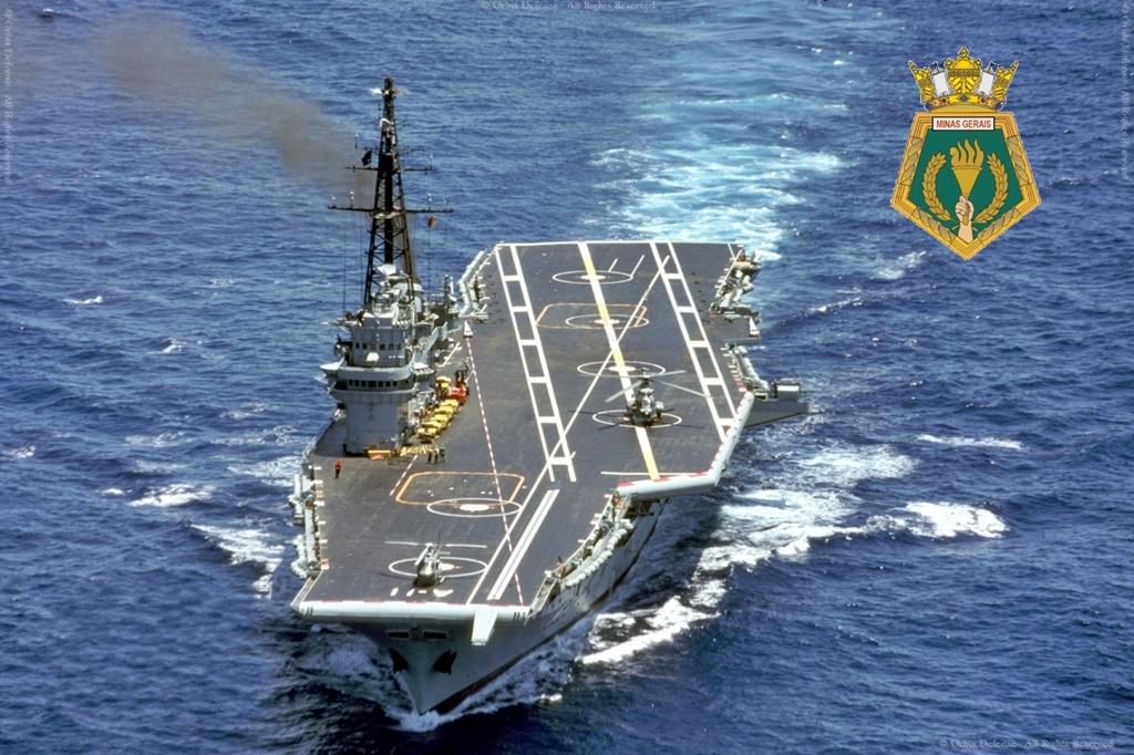 minas - Présentation porte-avions Minas Gerais  113