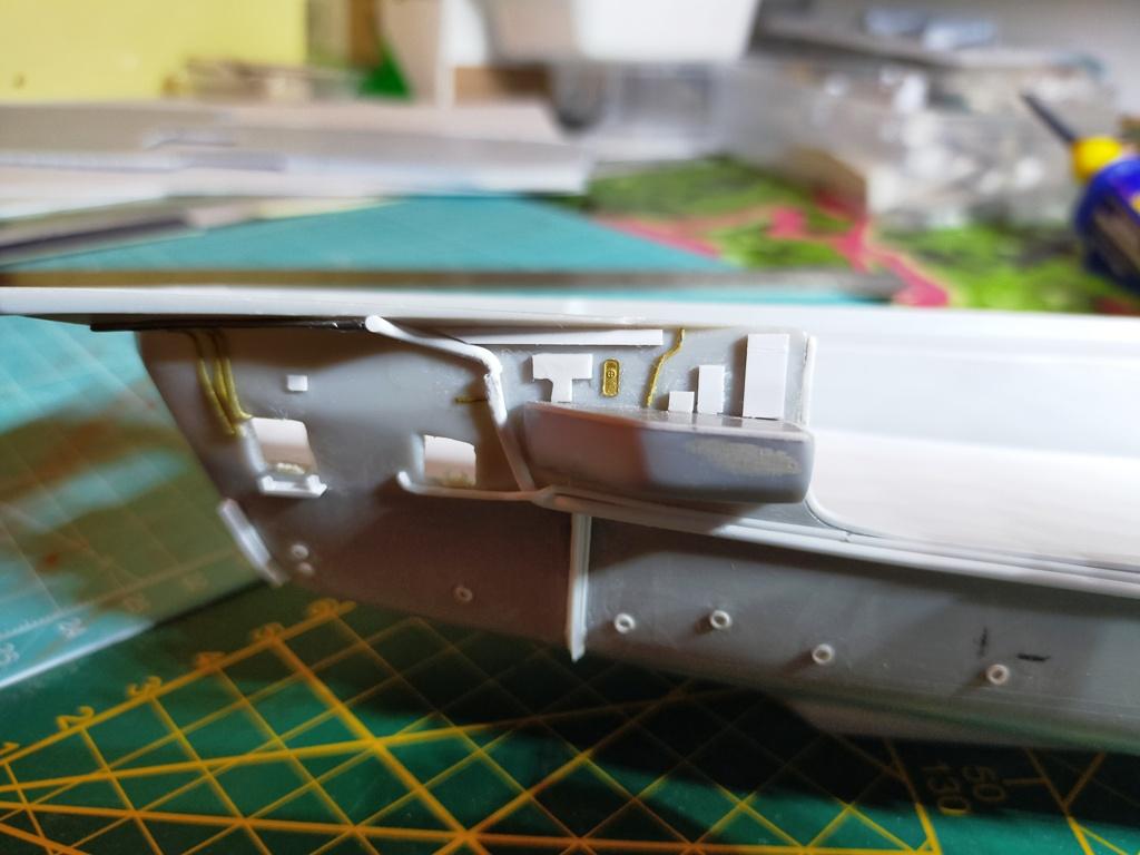 Porte avions SAO PAULO Heller 1/400 sur base Foch/Clemenceau + PE + scratch  - Page 3 69a10