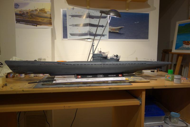 U-boot typ IX C/40 (U-190) Revell 1/72 - Page 2 Dsc04461