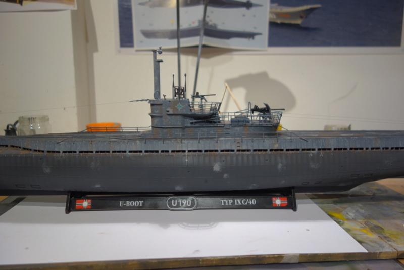 U-boot typ IX C/40 (U-190) Revell 1/72 - Page 2 Dsc04474