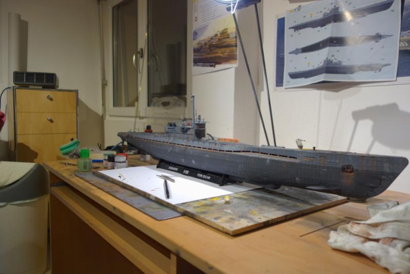 U-boot typ IX C/40 (U-190) Revell 1/72 - Page 2 Dsc04475