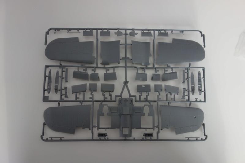 Chance Vought F4U-1 Corsair Birdcage Dsc04541