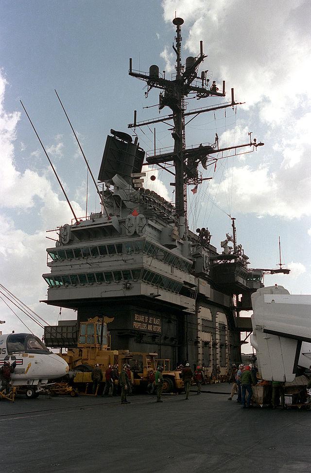 Diorama USS Saratoga - Italeri 1/720 Uss_sa11