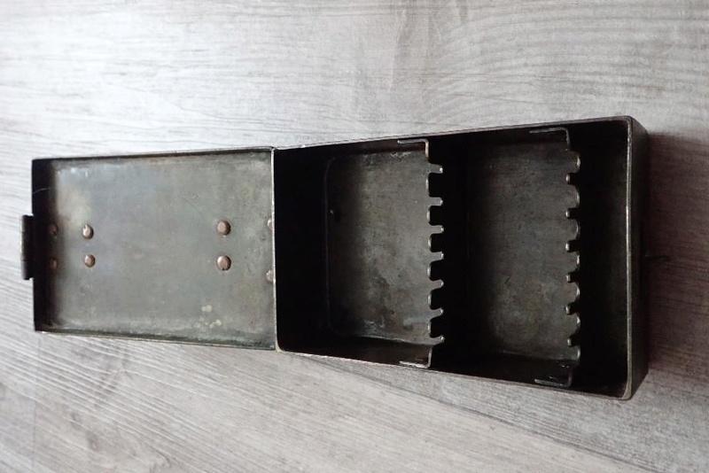 Petite caisse métallique Armée Suisse à identifier. 00002_13