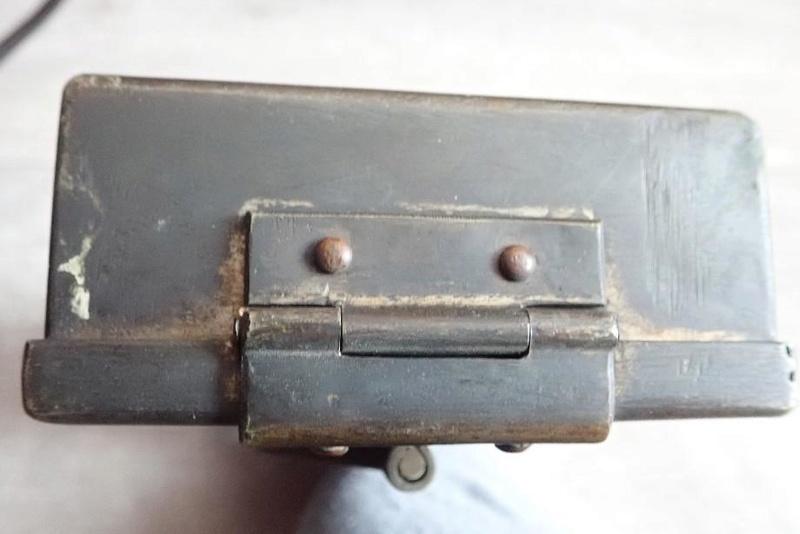 Petite caisse métallique Armée Suisse à identifier. 00004_10