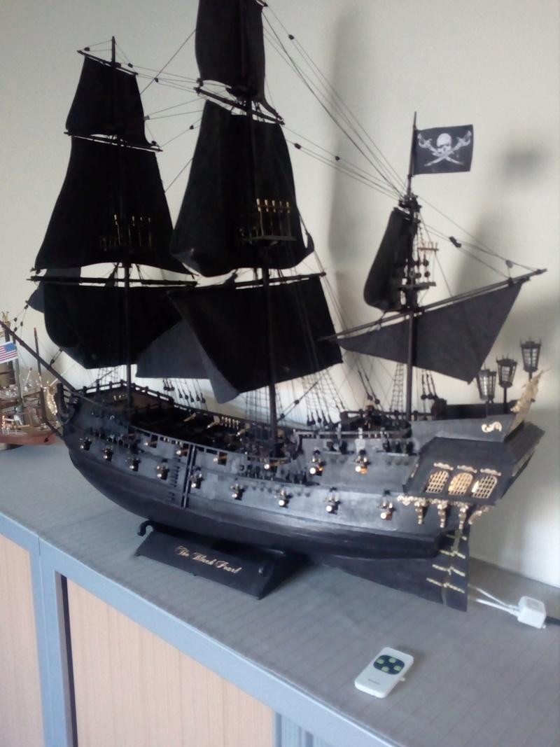 maquette Black Pearl 1/30 (1mètre 17) Img_2010