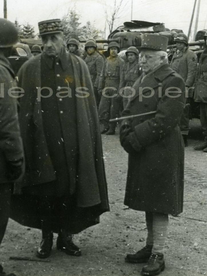 Berteschgaden avril mai 1945 : qui est cet officier? 830_0010