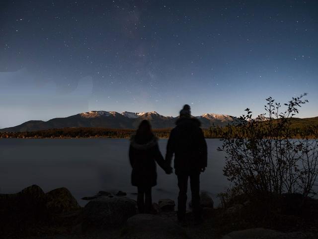 Besoin d'aide pour retoucher cette photo de nuit : workflow ? P1260110