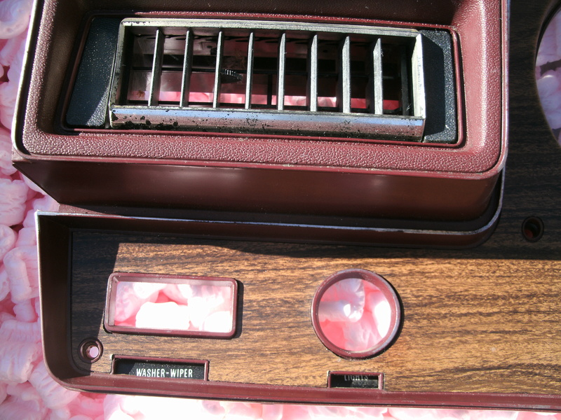 73-77 Round gauge dash bezel Dash_b17