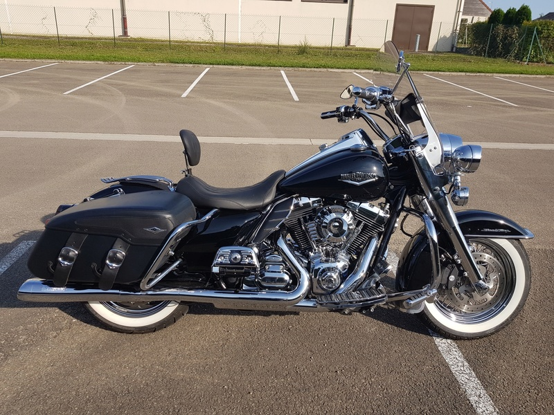 Road King uniquement, combien sur Passion-Harley  - Page 37 Img_2312