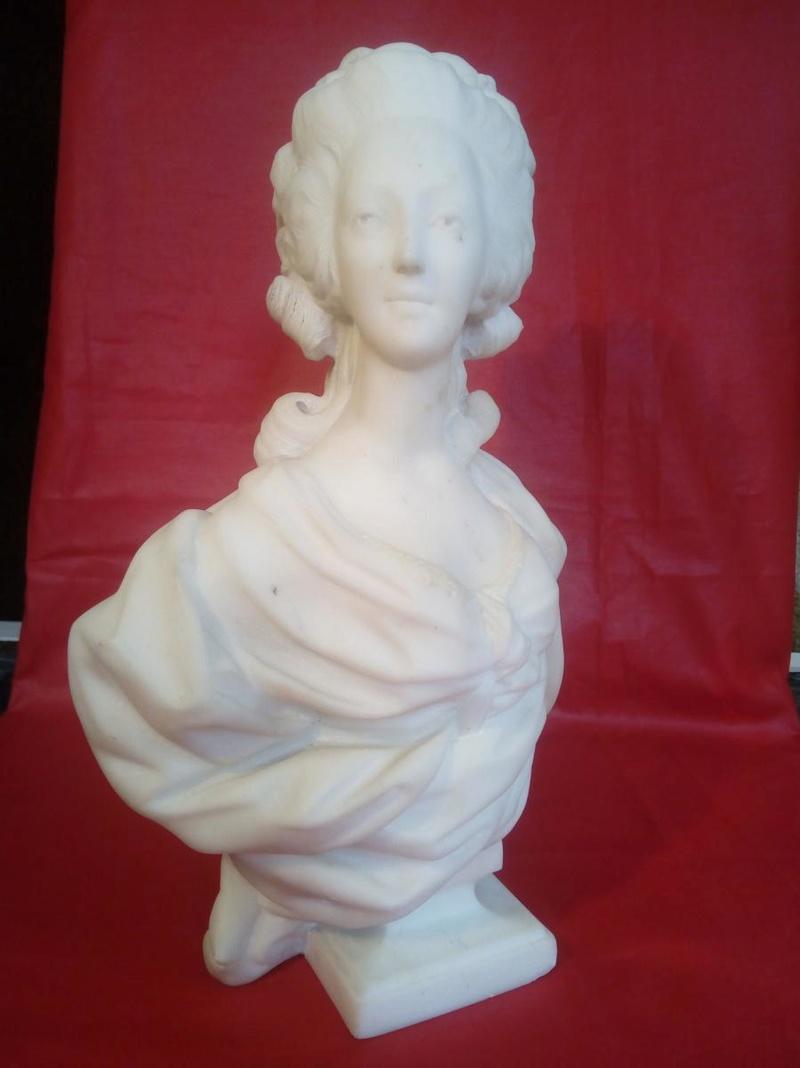 A vendre: bustes Marie Antoinette - Page 7 Zzz10