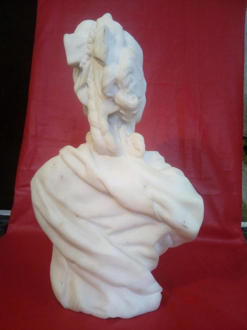 A vendre: bustes Marie Antoinette - Page 7 Zzz13