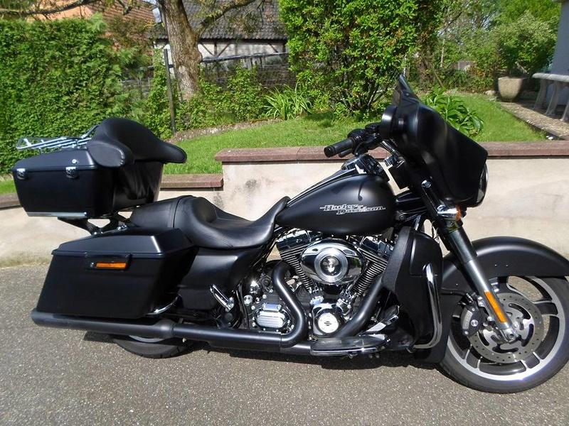 combien de STREET GLIDE  sur le forum Passion-Harley - Page 13 13139310