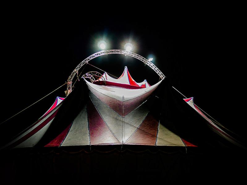 Tiens? Un cirque! Scossu10