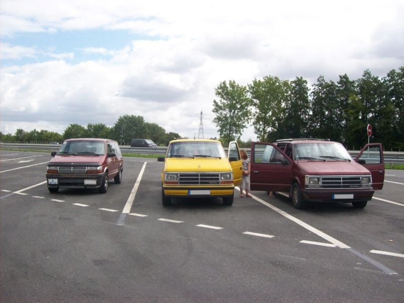 Postez vos clichés de votre/vos minivans en sortie meeting 102_3212