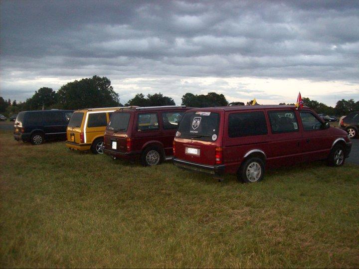 Postez vos clichés de votre/vos minivans en sortie meeting 25461210