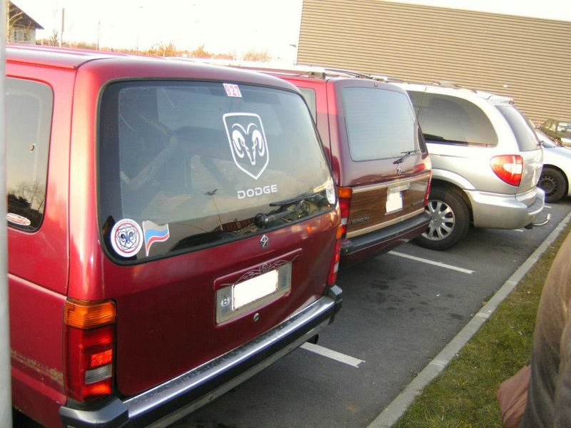 Postez vos clichés de votre/vos minivans en sortie meeting 56261810