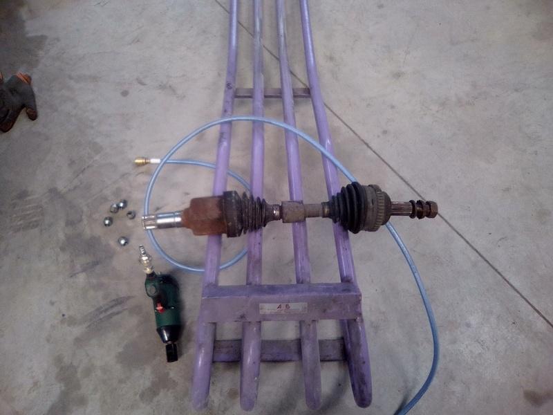 Remplacement du cardan côté conducteur (court) Pt 2.2 CRD Img_2375