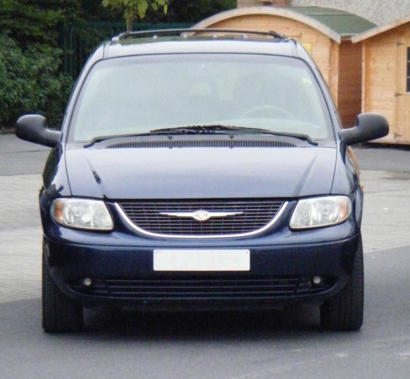 Postez vos clichés de votre/vos minivans en sortie meeting - Page 3 S41010