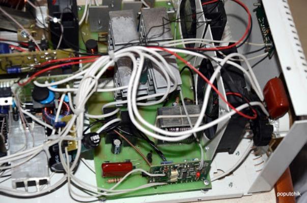 Инверторы напряжения 12-220 вольт Aei10