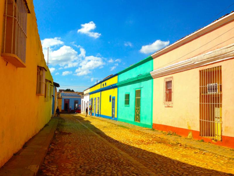 Les couleurs de l'architecture - Page 4 Calle-10