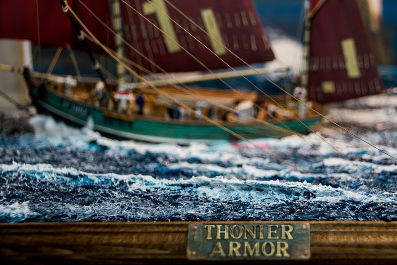 Dio : Thonier Armor en pêche au thon (Heller 1/125°) par Babadu68 1010