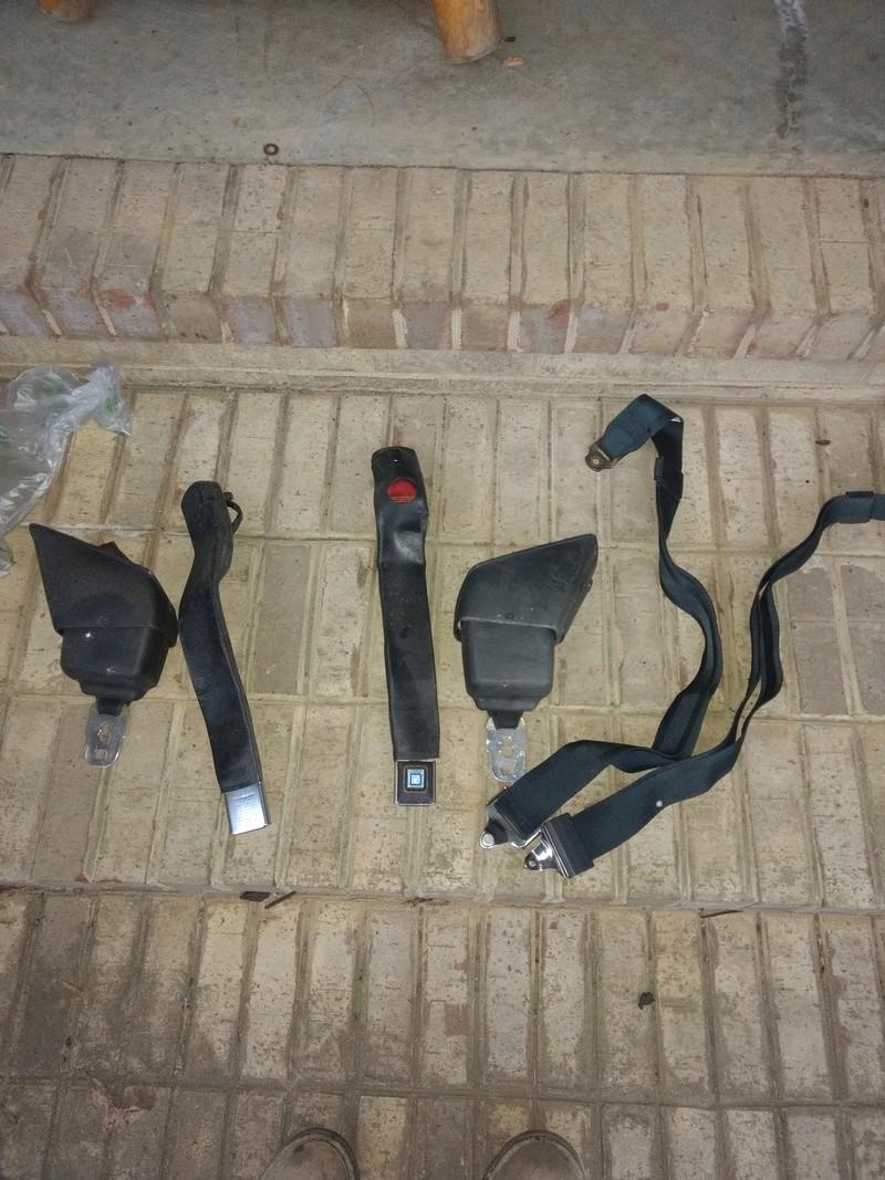 Seat belts...73 ss Img_2015