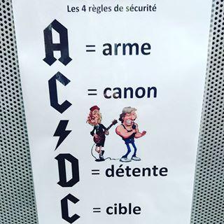un glockeur de plus  Acdc10