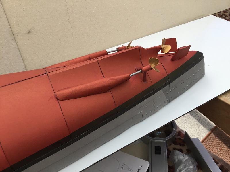 DKM Bismarck, 1 : 200 von Halinski, gebaut von gez10x11 Img_1244