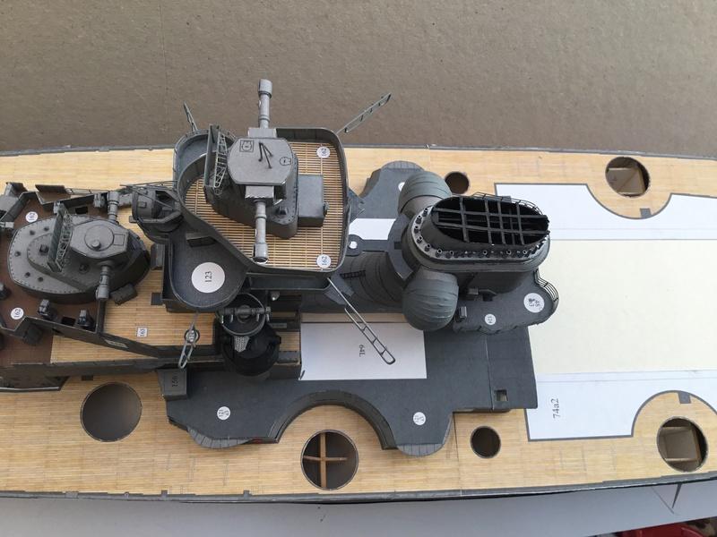 DKM Bismarck, 1 : 200 von Halinski, gebaut von gez10x11 - Seite 2 Img_1258