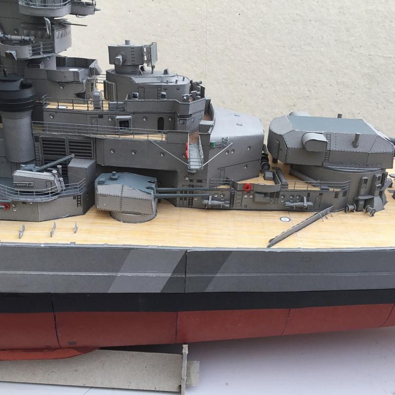 DKM Bismarck, 1 : 200 von Halinski, gebaut von gez10x11 - Seite 4 Img_1358