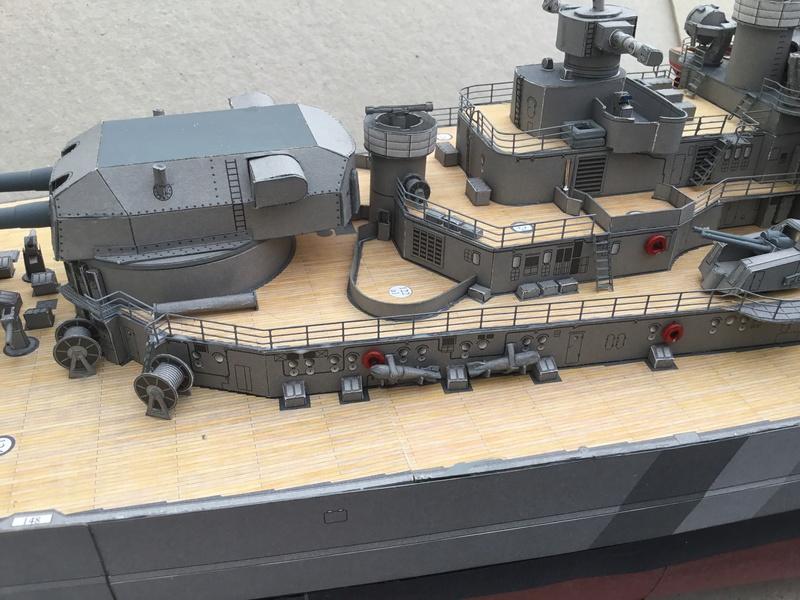 DKM Bismarck, 1 : 200 von Halinski, gebaut von gez10x11 - Seite 4 Img_1359