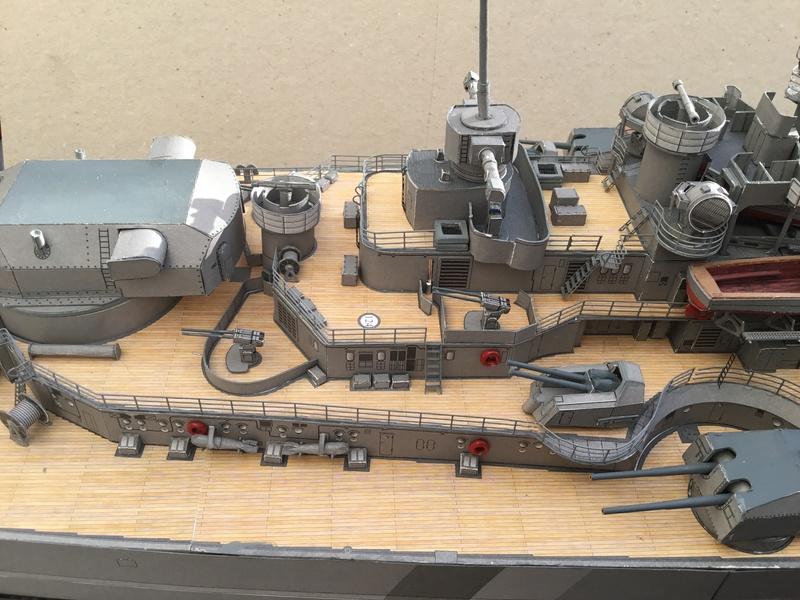 DKM Bismarck, 1 : 200 von Halinski, gebaut von gez10x11 - Seite 4 Img_1360