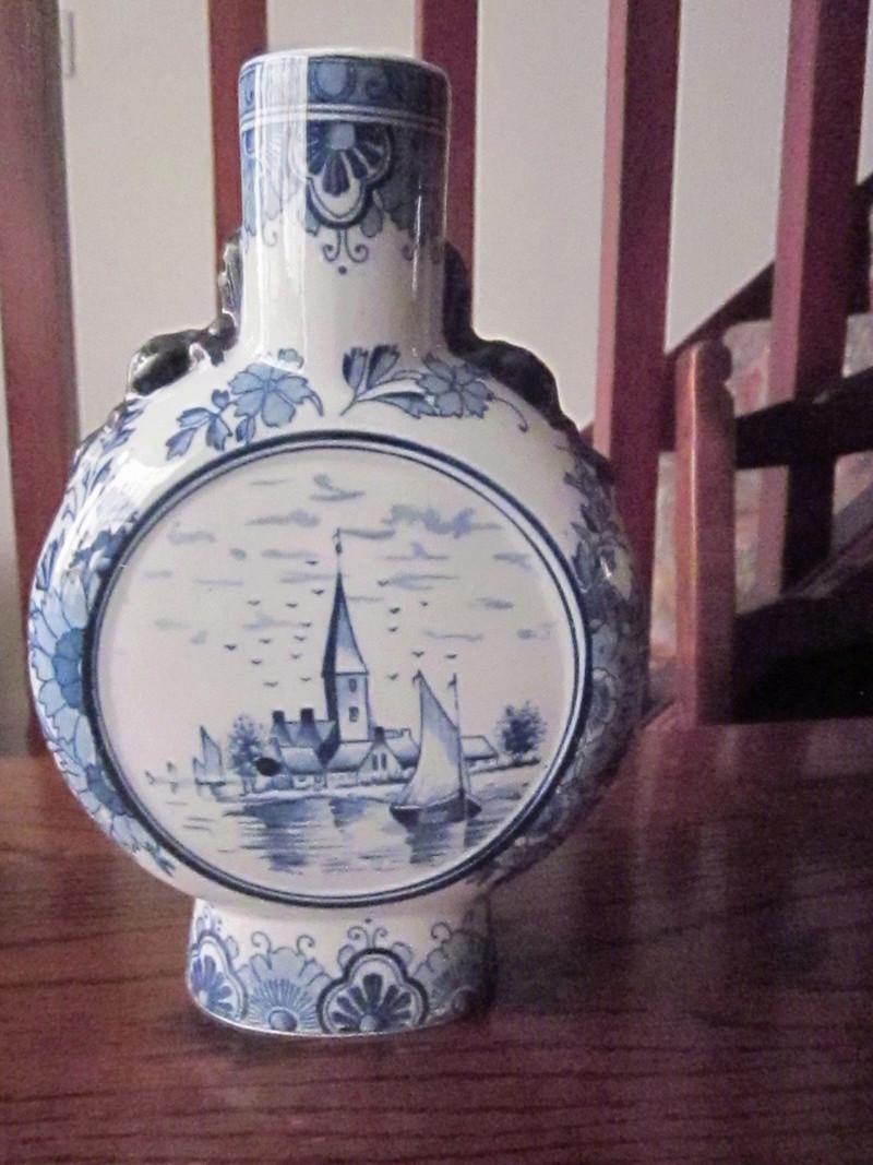 Delft vase-Age?? S-l16013