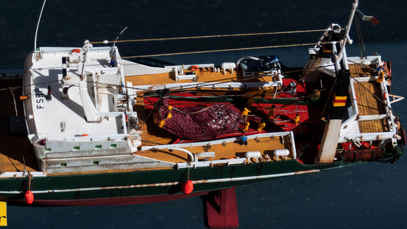 Bonne pêche pour le ROC AMADOUR (1:200) 00413