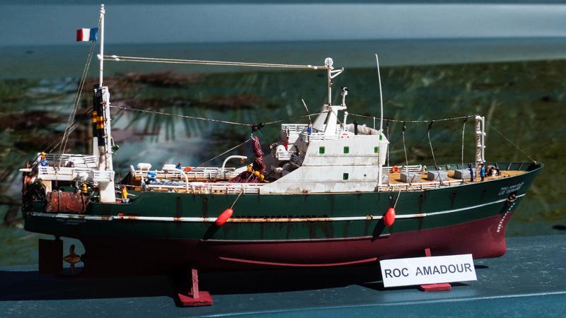 Bonne pêche pour le ROC AMADOUR (1:200) 01313