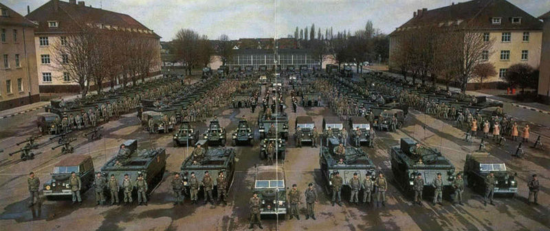 MINDEN 1969 1 DERR MECHANISED INFANTRY BATTLION ON PARADE Derr_110