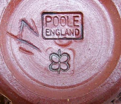 Large tea pot BB mark Poole-10