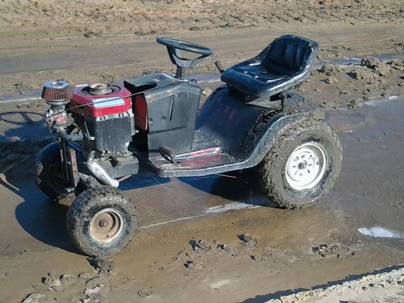 "Murray wide body ""racing"" mower Img_2038"