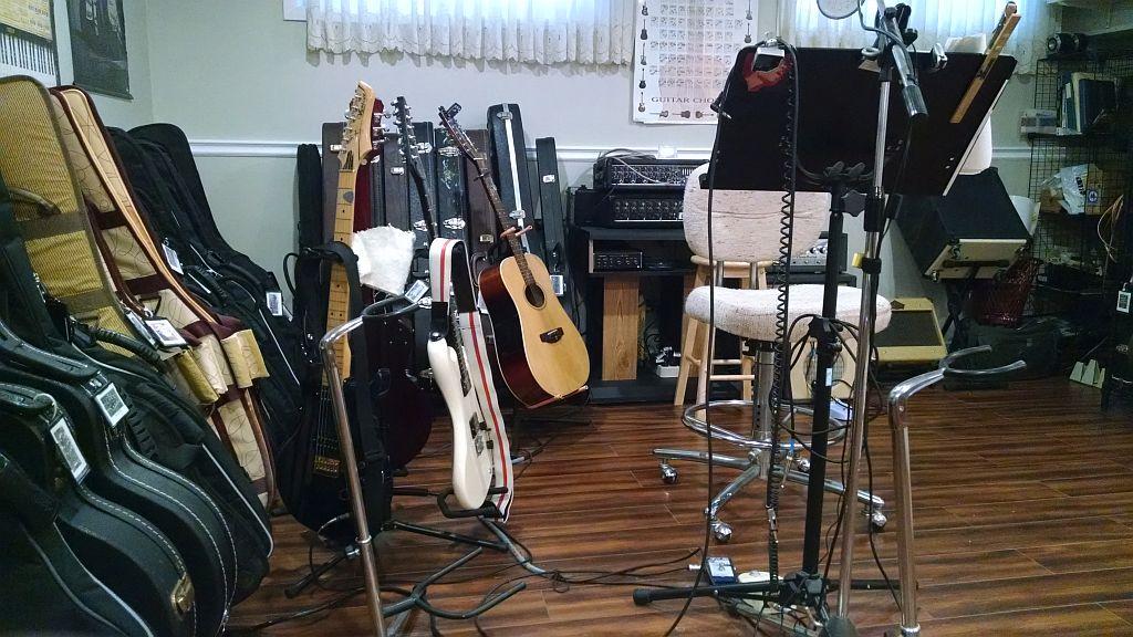 Music rooms... Music_17