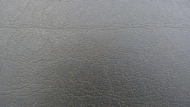 Identification des modéles 205 GTI : Tableau de Bord 24777710
