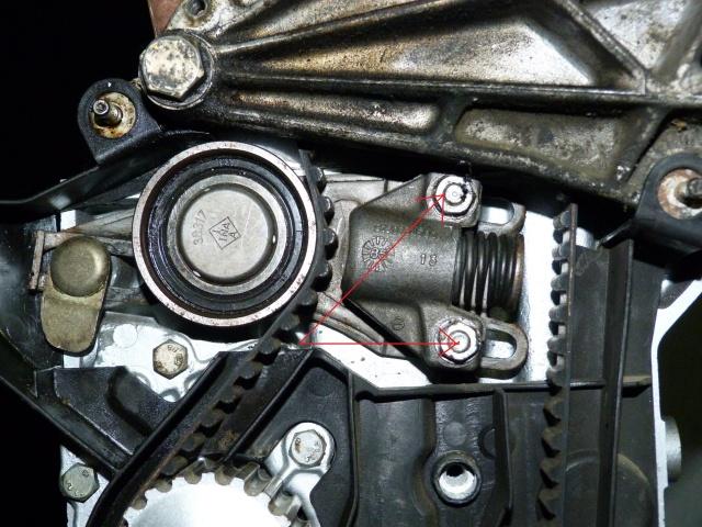 TUTO , remplacement kit distribution et pompe a eau 205 GTI 30628410