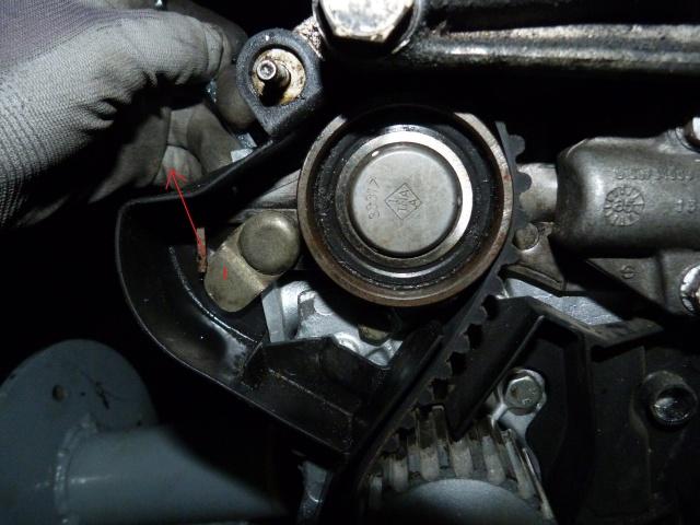 TUTO , remplacement kit distribution et pompe a eau 205 GTI 34133310