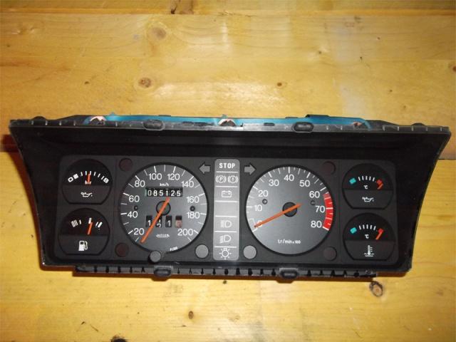 Identification des modéles 205 GTI : Tableau de Bord 40581310