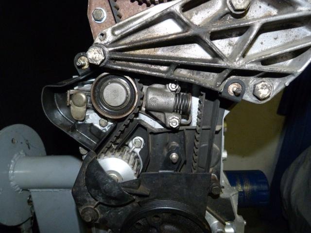 TUTO , remplacement kit distribution et pompe a eau 205 GTI 47574010