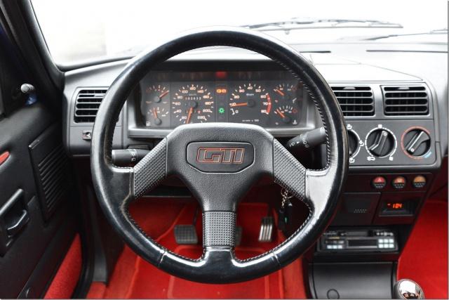 Identification des modéles 205 GTI : Tableau de Bord 54052010