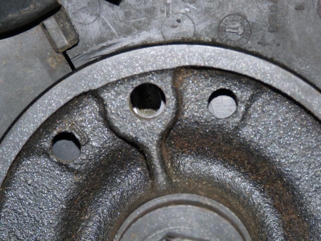 TUTO , remplacement kit distribution et pompe a eau 205 GTI 68448710