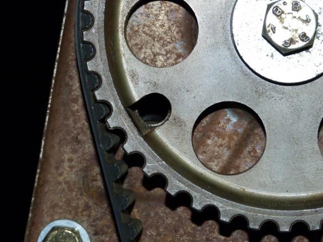 TUTO , remplacement kit distribution et pompe a eau 205 GTI 83672110