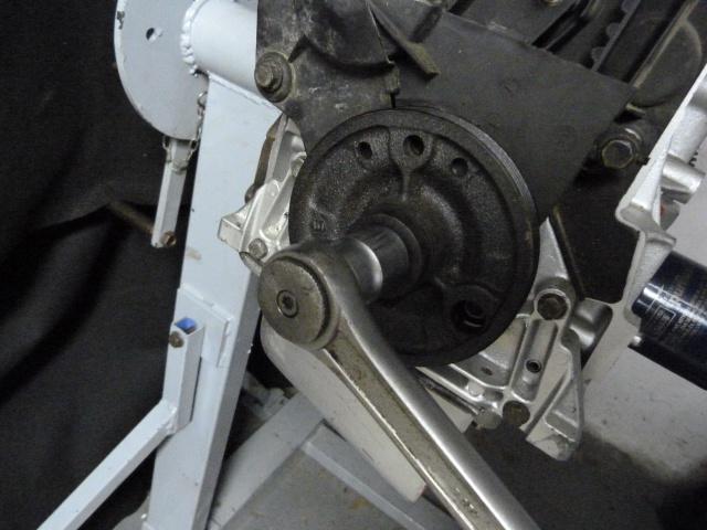 TUTO , remplacement kit distribution et pompe a eau 205 GTI 87885710
