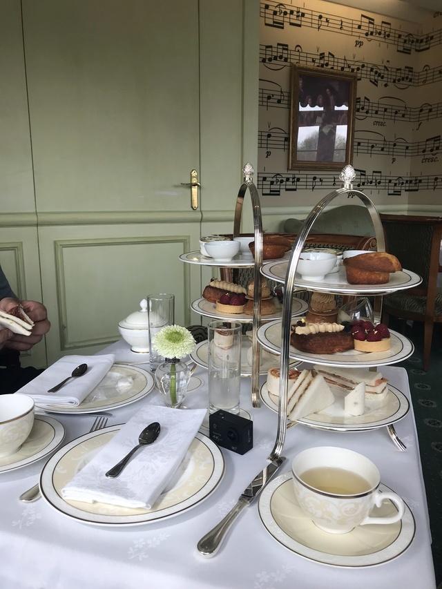 Victorian tea time Image21